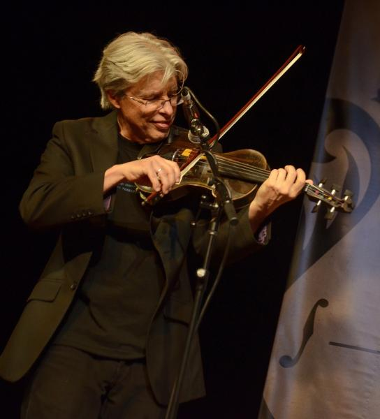darol anger playing fiddle