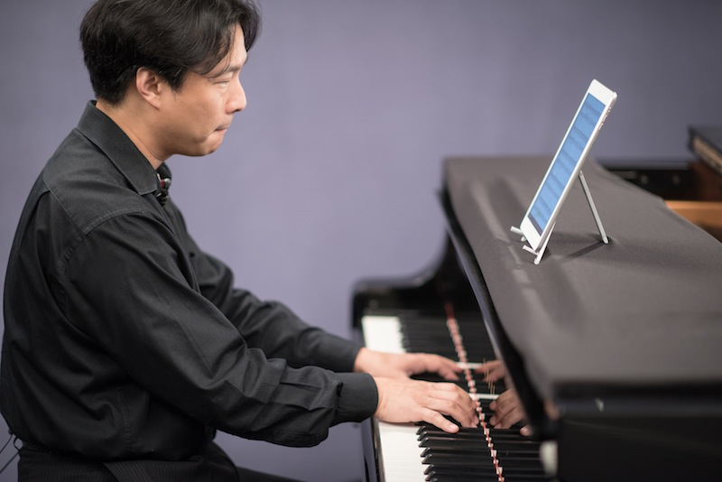 learn the piano with hugh sung