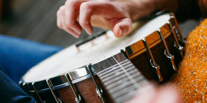 Pick Tips: A Guide to Banjo Picks | ArtistWorks